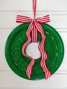 25 Fun Christmas Decor Ideas - Unique Wreath