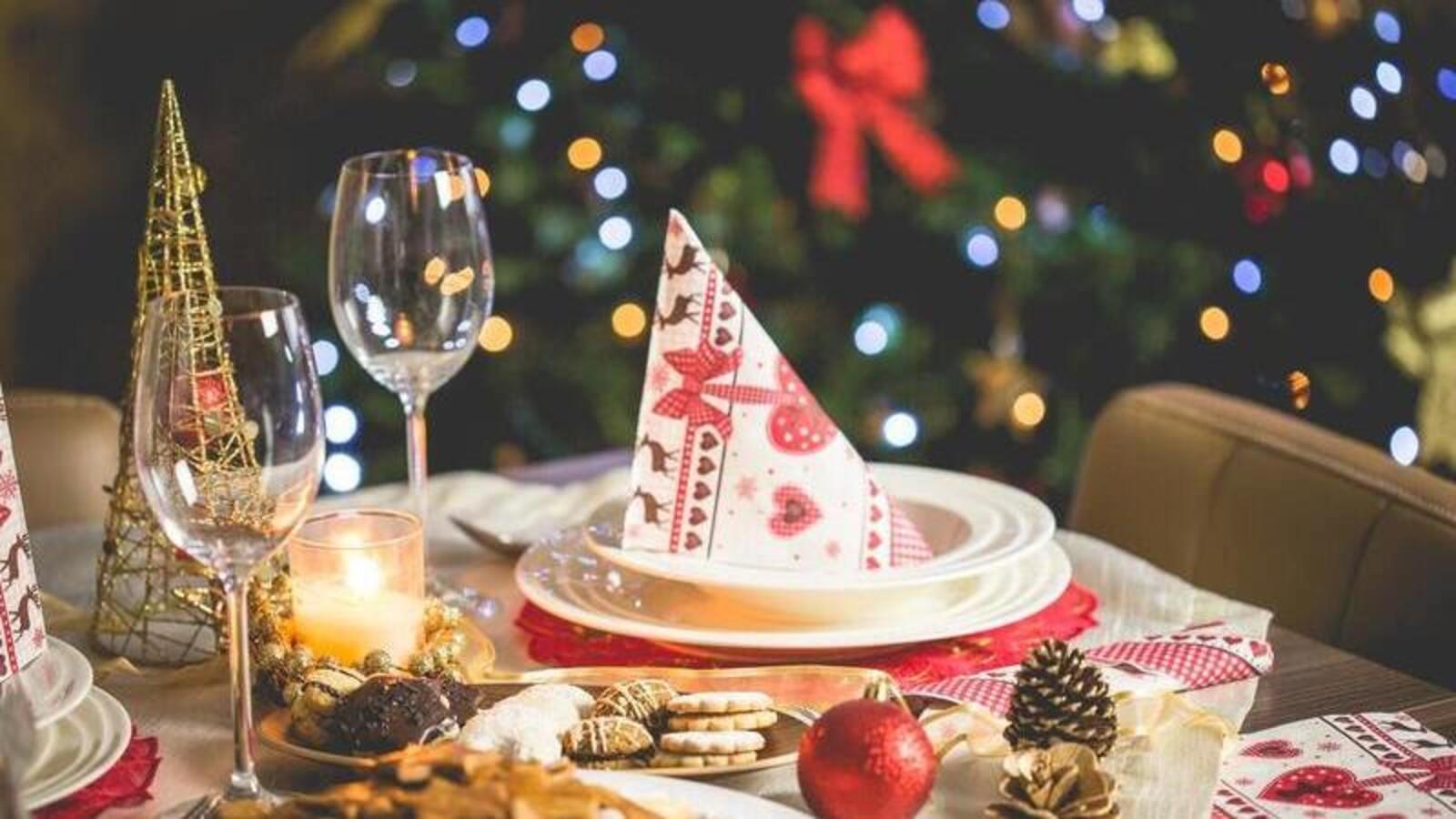 Farmhouse Christmas Decor - Featured 2