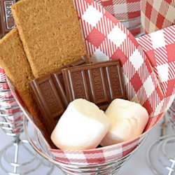 13 Easy Tips for a Star-Spangled Fourth of July Party - s'more