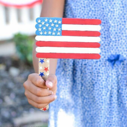 13 Easy Tips for a Star-Spangled Fourth of July Party - craft