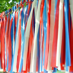 13 Easy Tips for a Star-Spangled Fourth of July Party - garland