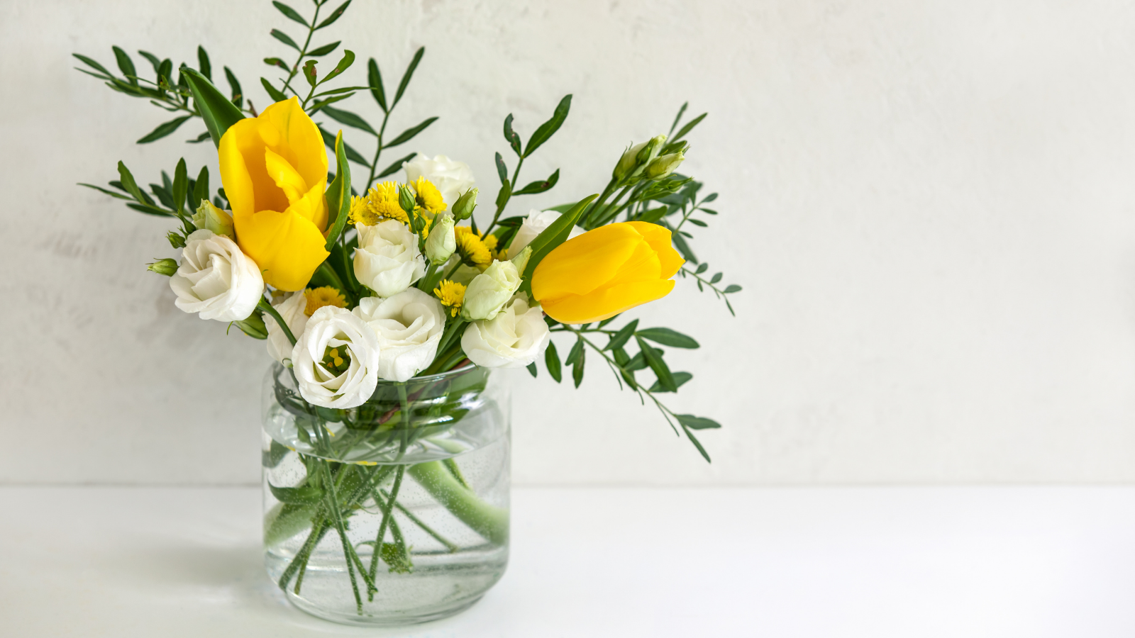 May Flowers: Tasteful, Timely Florals for Spring - Featured 2