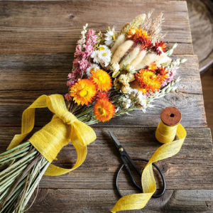 May Flowers: Tasteful, Timely Florals for Spring - Dried Arrangement 2